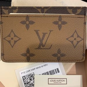 Special edition Louis Vuitton card case